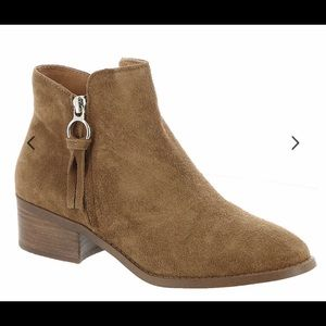 NWT Steve Madden Brown Suede Boots